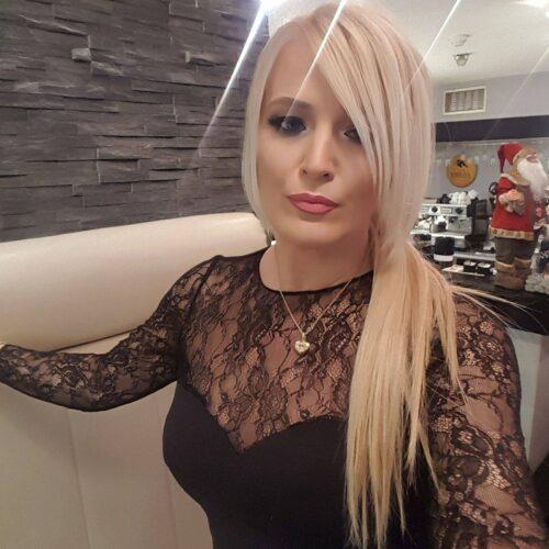 Qui veut baiser une femme sexy ?