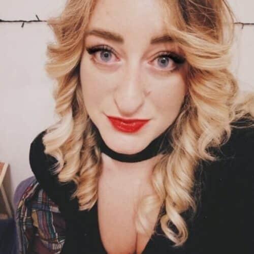 Je suis la blonde coquine de Thonex